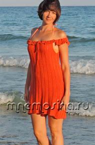 Мастер-класс по вязанию на машине. Пляжное вязаное платье с открытыми плечами и оборками-рюшками