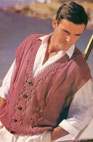 Мужские модели вязания. Жилет на пуговицах с аранами.