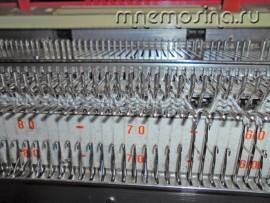 Мастер класс по вязанию на машине. Вяжем резинку 56 рядов. Затем все петли обратно переносим на заднюю игольницу.
